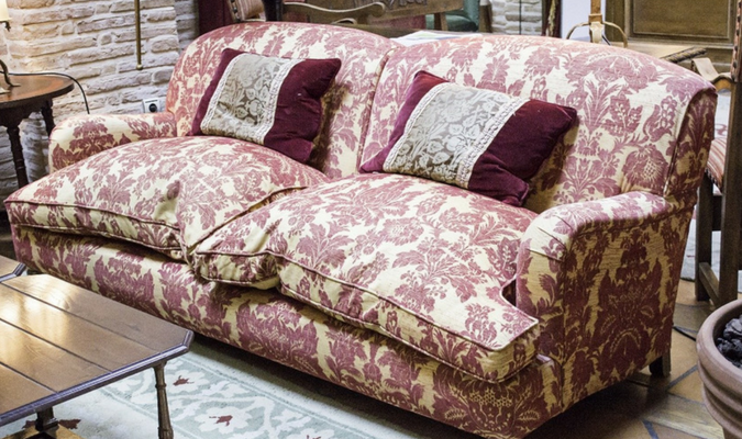 Floral sofa with anti-slip sofa covers (1)