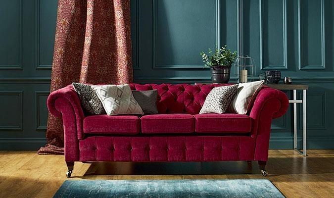 Burgundy sofa for autumn season