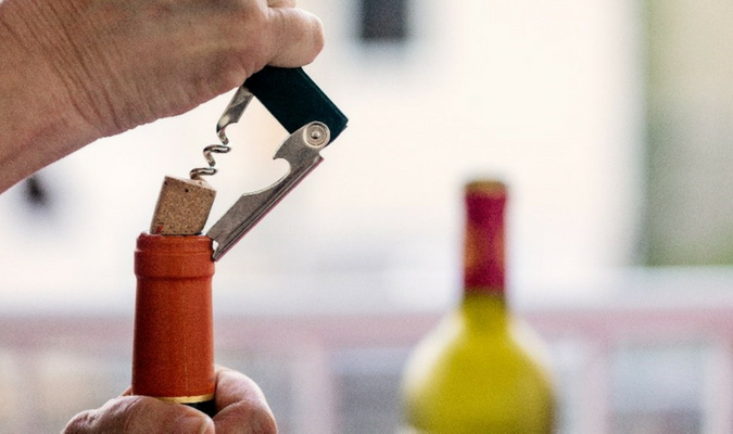 Cleaning Red Wine With White Wine